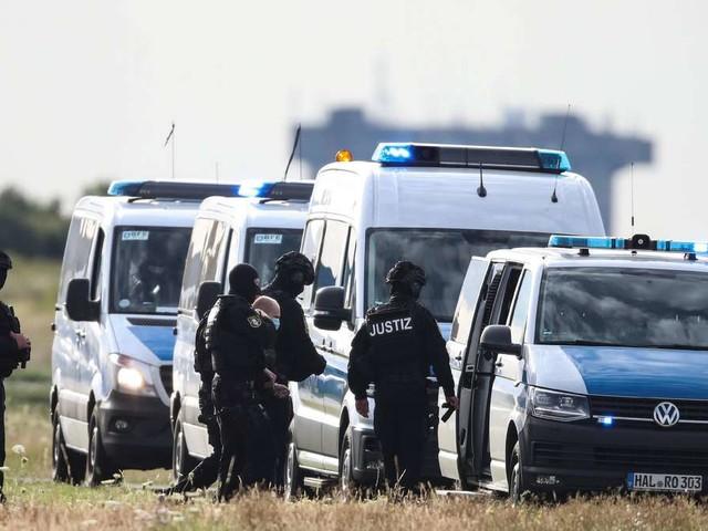 Sympathien für Halle-Attentäter: Junge Polizistin wegen Brieffreundschaft zu Stephan B. suspendiert