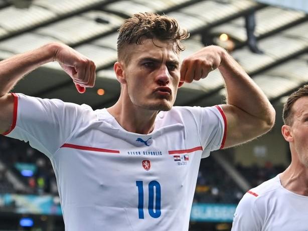 Fußball-EM: Schick blutet und trifft: Kroatien droht nach 1:1 das EM-Aus