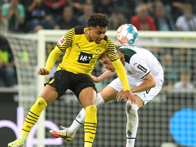 Bitterer Rückschlag für dezimierte Dortmunder in Mönchengladbach