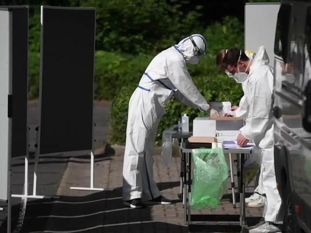 Erstmals über 1.000 neue Corona-Infektionen seit Anfang Mai