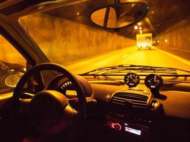 Autofahrt: Wie sich Autofahrer im Tunnel richtig verhalten