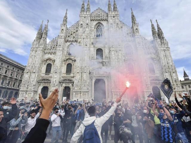 Serie A: Jubel auf dem Domplatz - Inter Mailand vorzeitig Meister