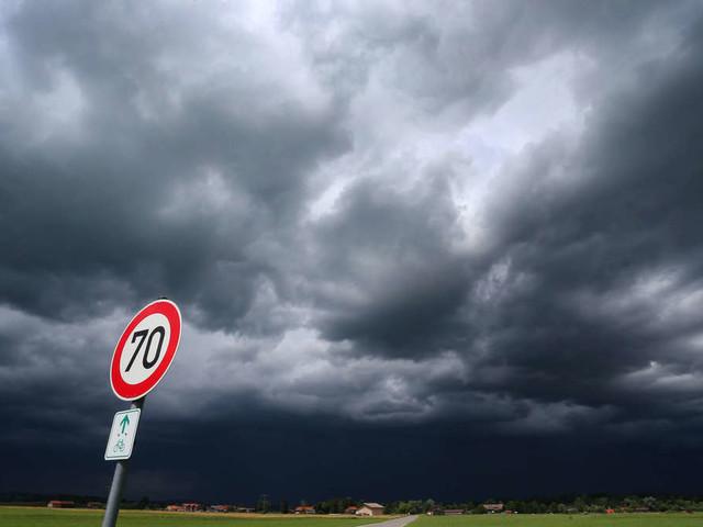 Amtliche Warnung: Zur Sahara-Hitze kommen nun auch noch schwere Gewitter