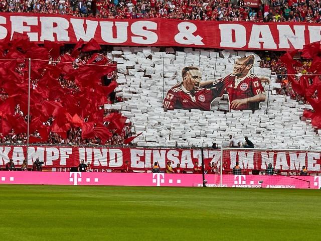 Bayerns kitschige Meisterschaft: Robben lacht, Ribéry weint, Hoeneß heult
