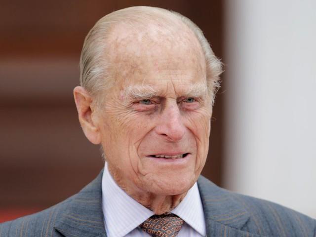 Die Leere an ihrer Seite: Prinz Philip wäre heute 100 geworden
