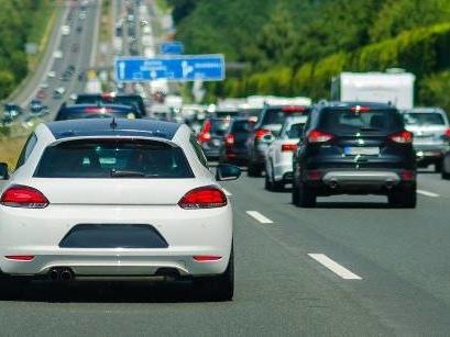 Mit diesen Tipps können Autofahrer einen Stau vermeiden