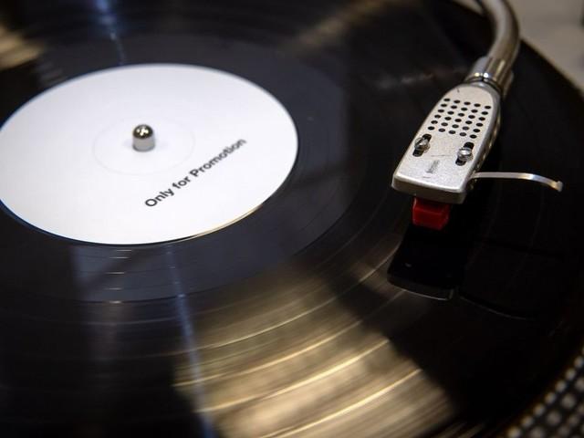 Fast 20 Wochenstunden Musikkonsum in Deutschland