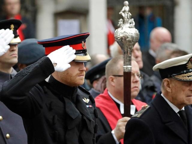 Warum bei der Trauerfeier für Prinz Philip auf militärische Uniform verzichtet wird