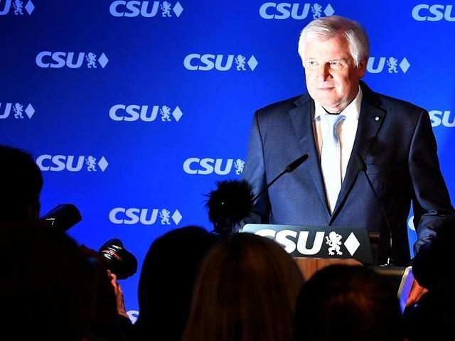 Bundestagswahl 2017 im News-Ticker - Horst Seehofer stellt Fraktionsgemeinschaft mit CDU zur Debatte