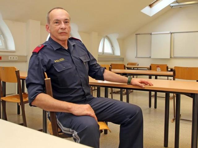 Ein 54-Jähriger wird Polizist