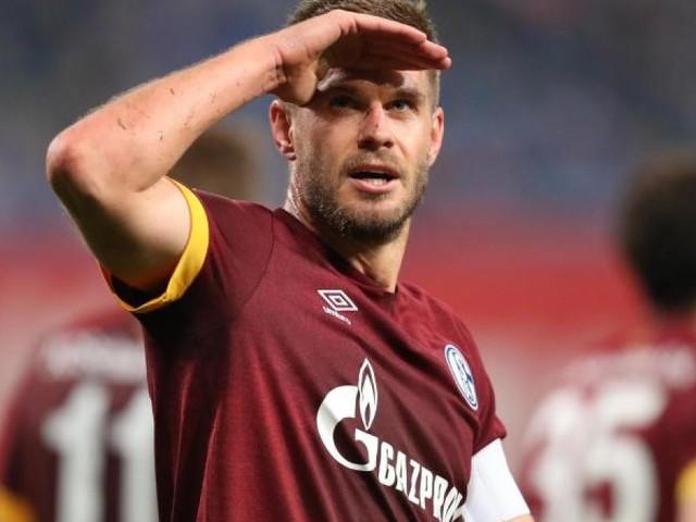 Terodde macht den Unterschied: Schalke siegt in Rostock