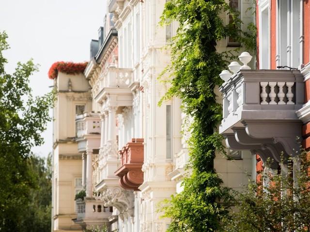 Immobilienkredite günstig wie nie -Sparern drohen Minuszinsen: 0,7 Prozent Zinsen für zehnjährigen Baukredit