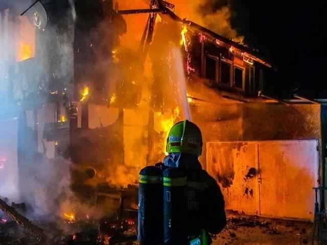 Feuerwehren: Bunt, bunt, bunt sind die Uniformen