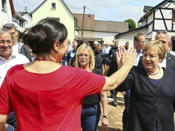 """Merkel in Bad Münstereifel: """"Es verschlägt einem die Sprache"""""""