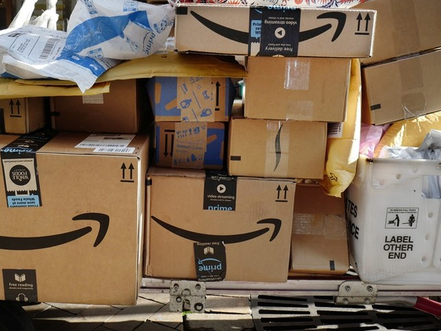 Amazon will unverkäufliche Produkte künftig spenden statt zerstören