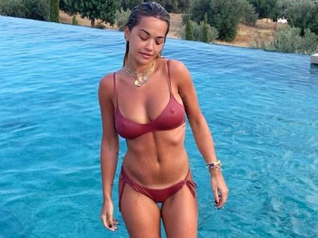 Oh wie schön ist Griechenland: Rita Ora gibt den Reiseführer