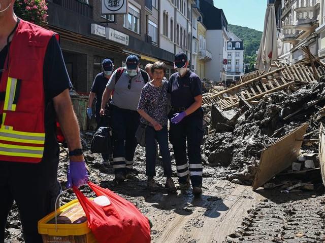 """""""Das sprengt alle Vorstellungskraft"""": Rettungskräfte im Katastrophen-Gebiet bekommen psychologische Hilfe"""