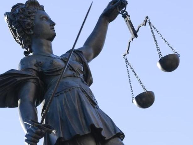 Prozesse: Scheinehen vermittelt? Mutmaßliche Bande kommt vor Gericht