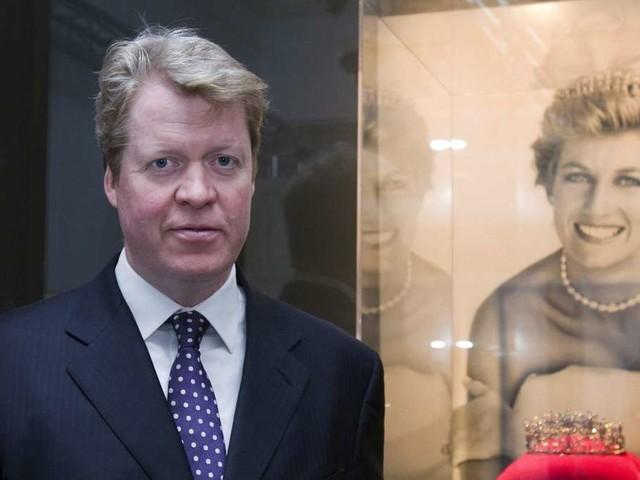 Charles Spencer: So häufig legt er Blumen an Dianas Grab nieder