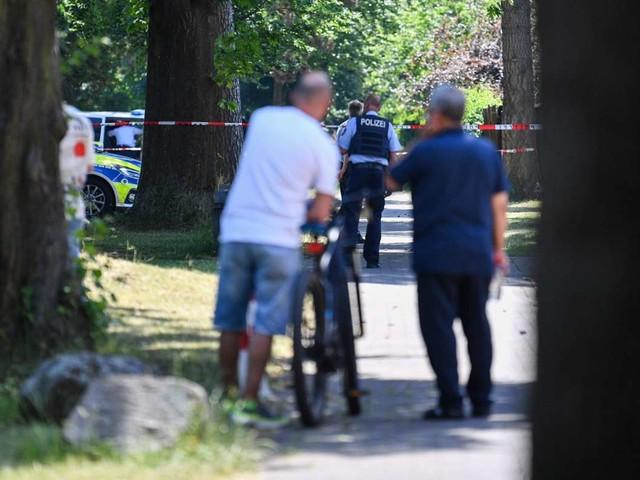 Nordrhein-Westfalen: Zwei Tote nach Schießerei in Espelkamp – Täter auf der Flucht