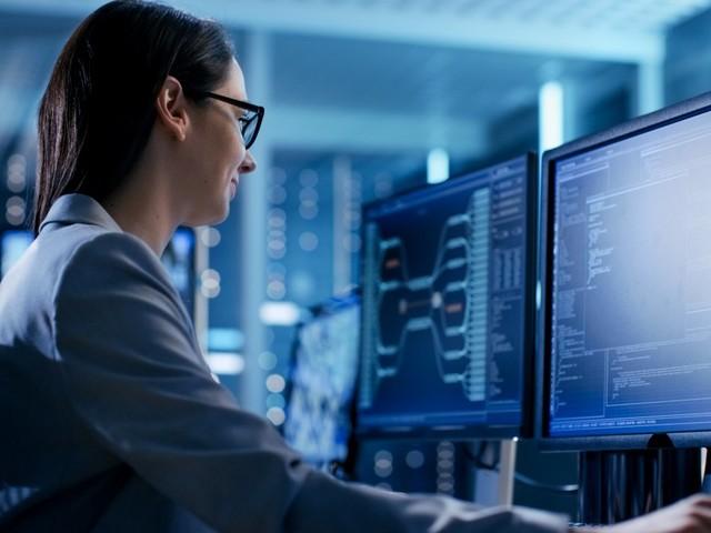 Mehr Frauen in der IT: Bündnis will Pflichtfach Informatik