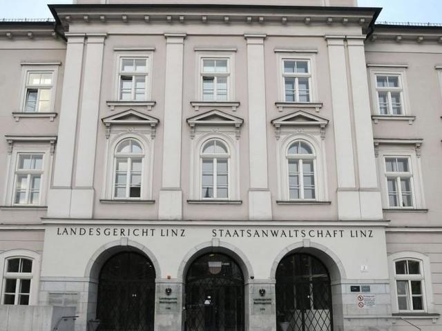 Bankraub-Prozess in Linz: Freispruch für Frau und Haft für Mann
