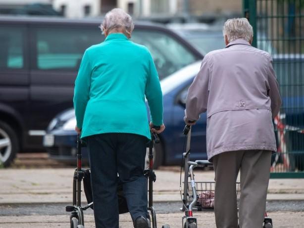 Alterssicherung: Rente: Wer jetzt bis zu Hunderte Euro mehr im Monat bekommt