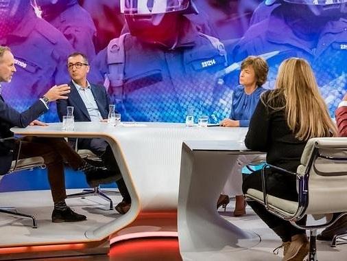 """Maybrit Illner zum """"Feindbild Polizei"""": Baydar und Bosbach auf Konfrontationskurs"""