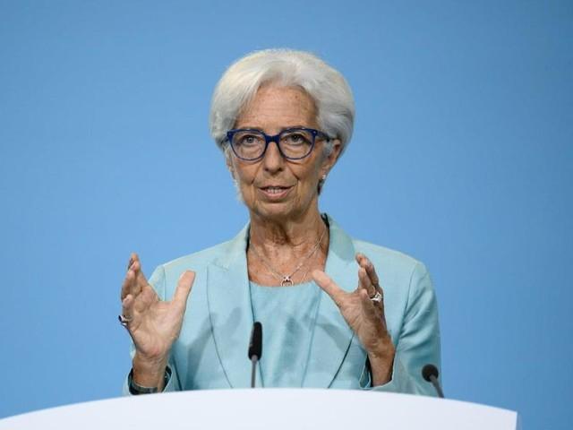 Lagarde grenzt EZB klar von Fed-Kurs ab