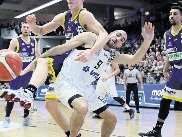 - Basketball: Alles Asche gegen Phoenix – und jetzt ist auch noch der Trainer weg!