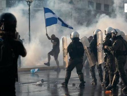 25 Festnahmen bei Demo von Impfgegnern in Athen