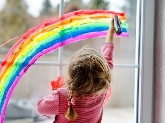 Kreidestifte fürs Fenster: Ein Spaß für die ganze Familie