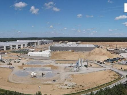 Tesla-Fabrik: Steinbach sieht Chance für Genehmigung