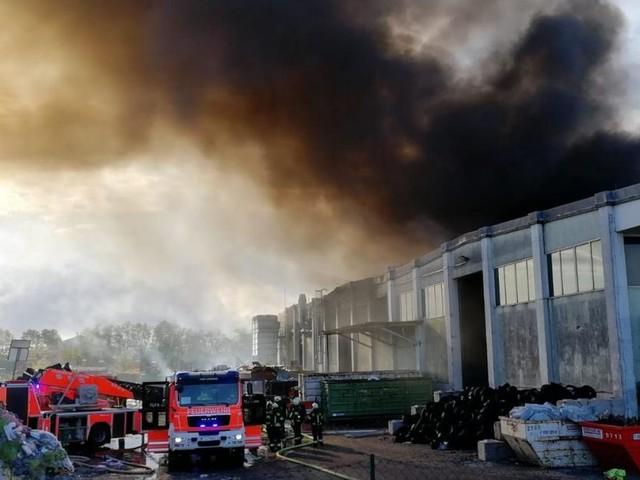 Explosion bei Entsorgungsfirma in OÖ: Zwei Schwerverletzte