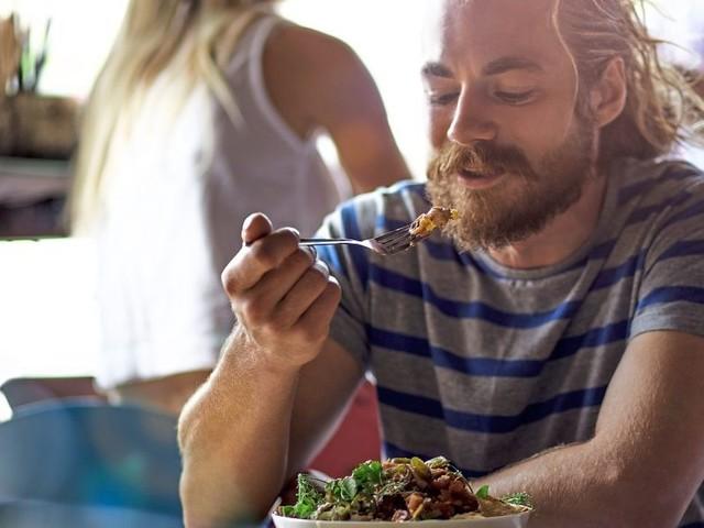 Gehen Sie alleine in ein Restaurant essen?
