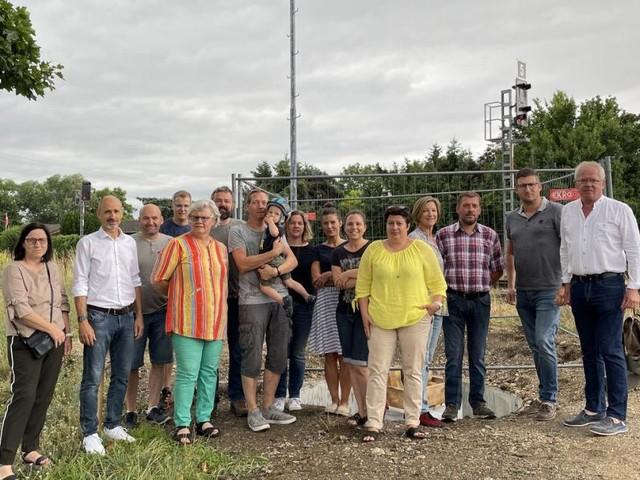 Bad Fischauer gehen gegen neuen ÖBB-Sendemasten auf die Barrikaden