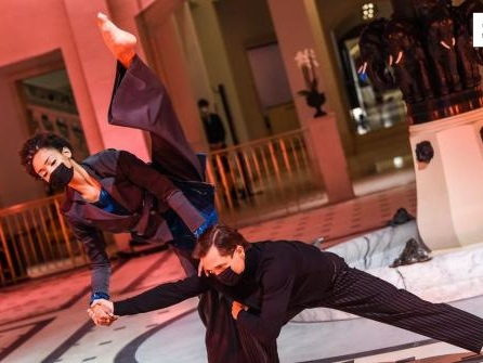 Berliner Fashion Week mit Angeln und Tanz