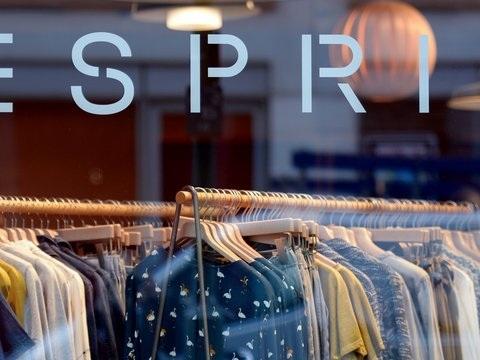 Modekonzern Esprit streicht in Deutschland über 400 Stellen