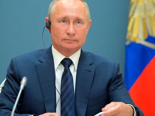 Verfassungsänderung tritt in Kraft: Russland stimmt für Putins Machterhalt