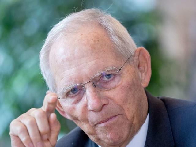 Corona: Schäuble fordert Einschränkungen für Ungeimpfte und liebäugelt mit französischem Modell