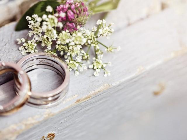 Feiern in Corona-Zeiten: Eine Hochzeit und sieben Todesfälle