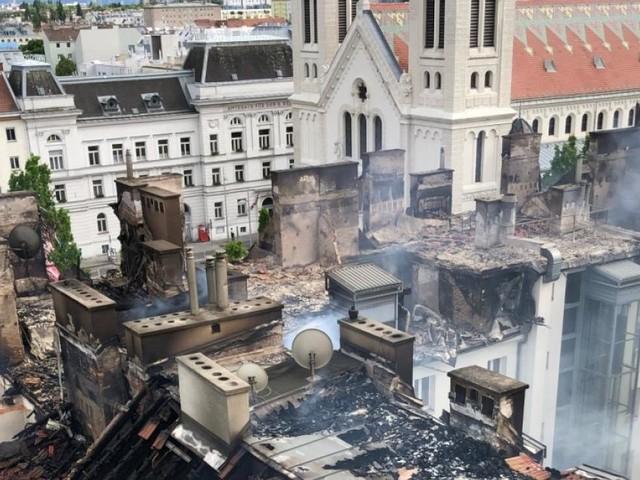 Nach Großbrand in Simmering: Verzweiflung bei Geschädigten