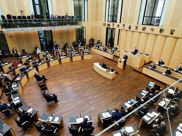 Maskenaffäre: Bundesrat stimmt schärferen Transparenzregeln für Abgeordnete zu