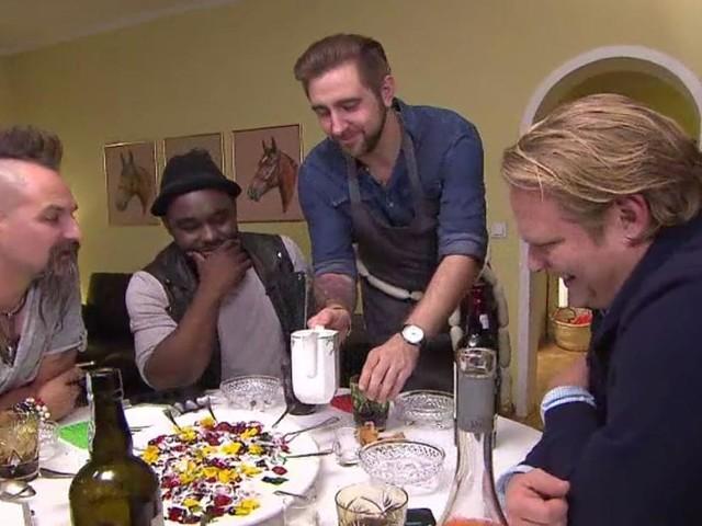 """""""Fischstäbchen als Appetizer"""" - TV-Kolumne """"Das perfekte Profi-Dinner"""": Sterne-Koch schockt Kollegen mit Vorspeise"""