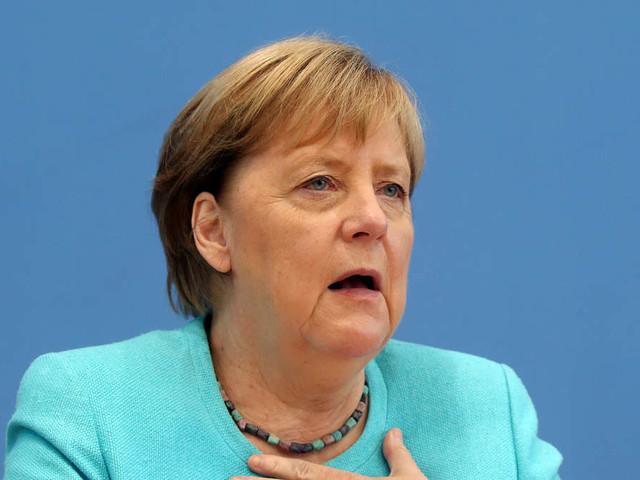 Merkel zerschlägt Hoffnungen auf Ende der Corona-Maßnahmen - und spricht über ihren letzten großen Fehler