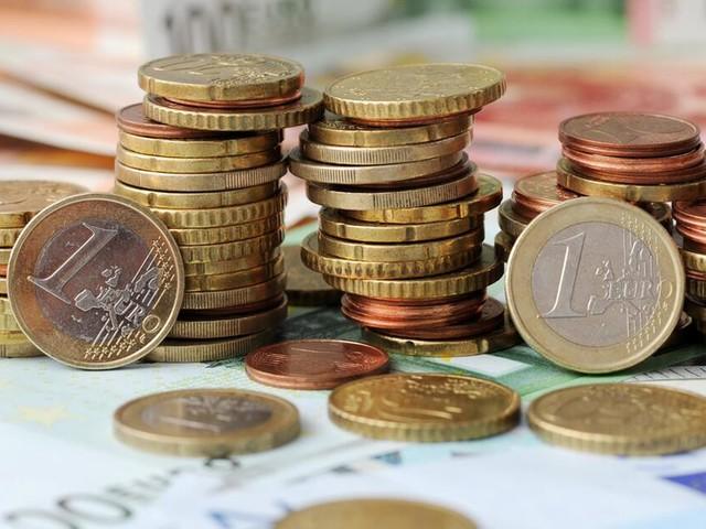 Trippelschritte Richtung Ausgang: EZB verringert Wertpapierkäufe - Sparer schauen in die Röhre