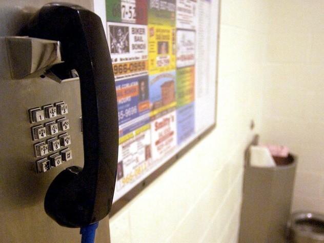 Corona-Maßnahmen im Gefängnis: Kaum Verstöße mit Knast-Handys