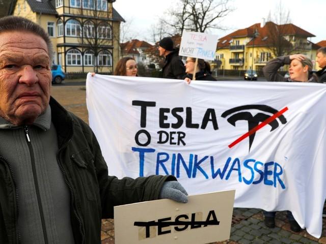 Tesla-Werk Grünheide: Streit um rechte Verbindungen in der Ökoszene