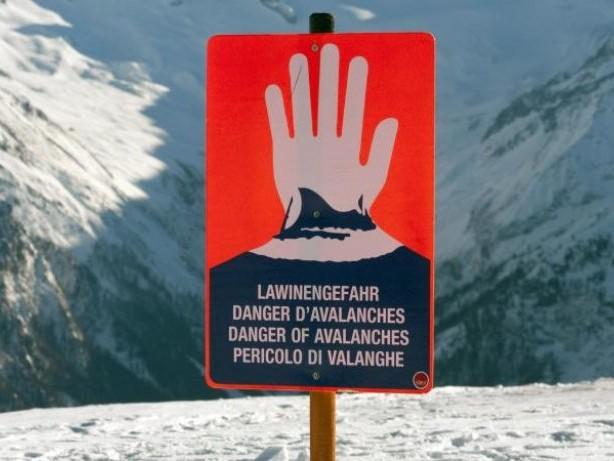 Alpen: Probleme durch Lawinengefahr, Tauwetter und Regen