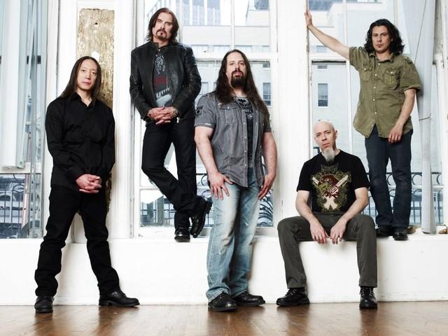 "Dream Theater präsentieren neue Single ""Fall Into The Light"""
